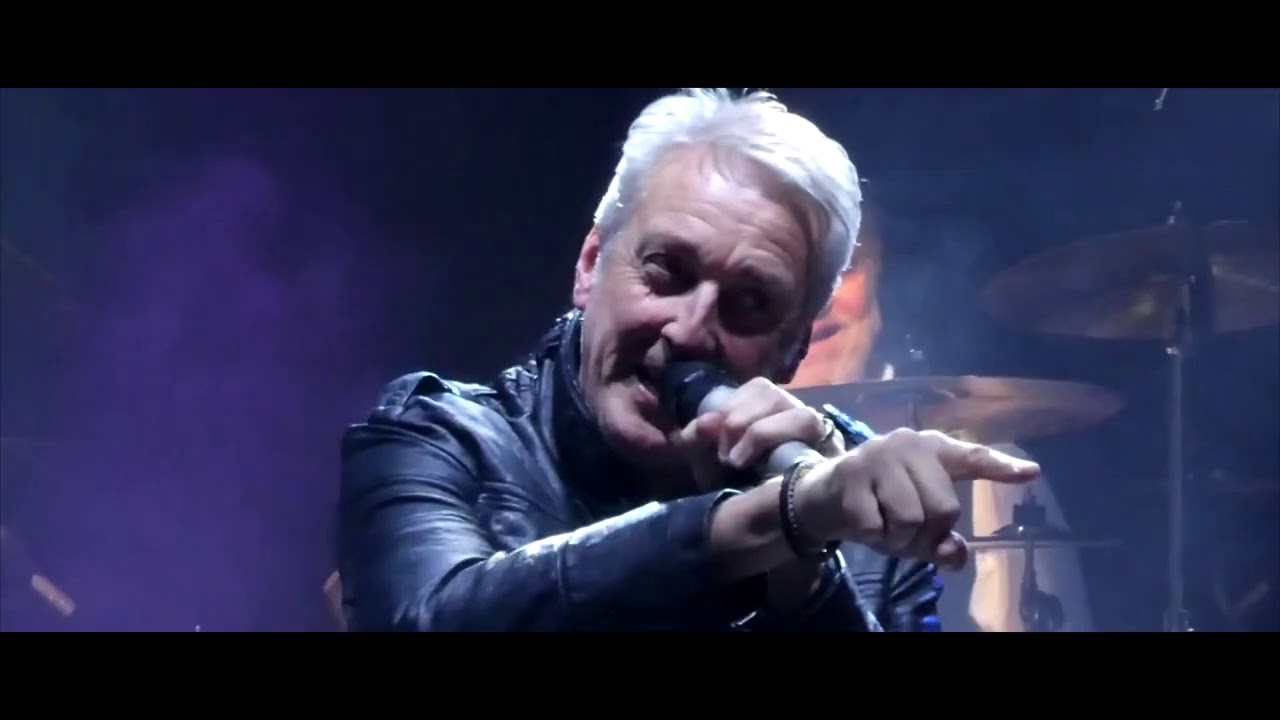 FM - Tough It Out (Live)