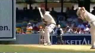 Glenn Mcgrath reverse swinging yorker - YouTube