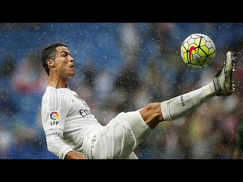 Bad Weather Isn't an Obstacle for Cristiano Ronaldo