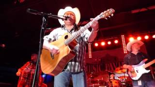 Waylon Jennings (medley live) - Mark Chesnutt