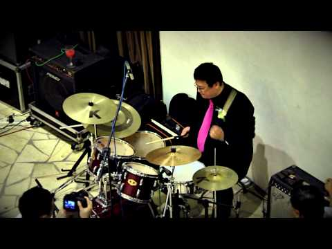 My favourite drummer solos at his own wedding!