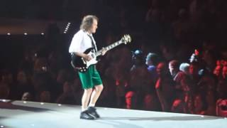 AC/DC Givin The Dog A Bone (Live in St Paul 2016) Multi-cam