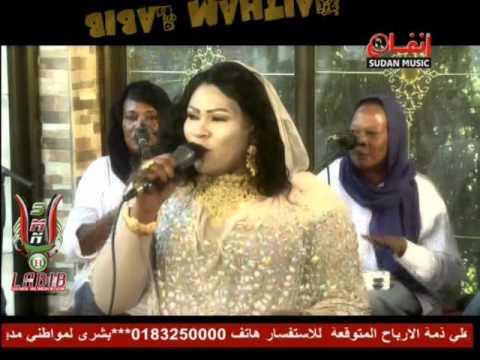 بالفيديو..إنصاف مدنى تغنى لبنتها وعد