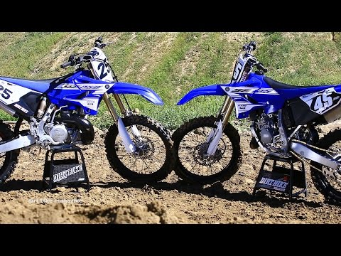 2016 Yamaha YZ 125 & YZ250 2 strokes head to head – Dirt Bike Magazine