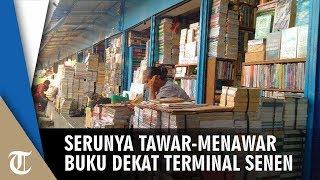 Suasana di Toko Buku dekat Terminal Senen Jakarta Pusat