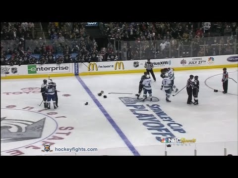 Anze Kopitar vs. Alexandre Burrows