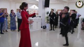 Кабардинка танцует лезгинку.
