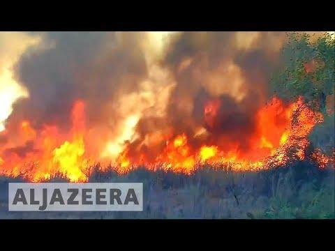 200,000 people evacuated as LA fires rage