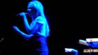Duffy - Tomorrow (Mercy B side) - Olympia 2008