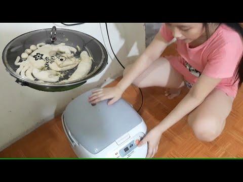 Chị Silent Sea Gia Linh em Cò tự làm Bánh mì hấp bằng chảo và xoong cơm điện