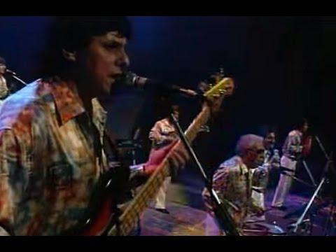 Los Wawanco video Atrévete a mirarme de frente - CM Vivo 1999