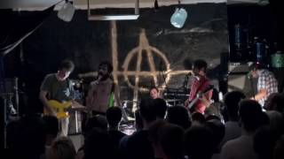 "+@ TITUS ANDRONICUS - ""SUN SALUTATION""/""NO FUTURE PART V"" (OFFICIAL LIVE VIDEO)"