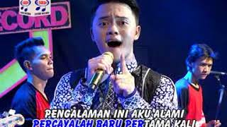 Download lagu Danang Pengalaman Pertama Mp3