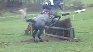 preview picture of video 'Springfield Symphony Eventing Schooling with Laura Deas March 2009'