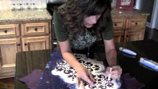 DIY: Bleach Pen Damask T-Shirt | ShowMeCute