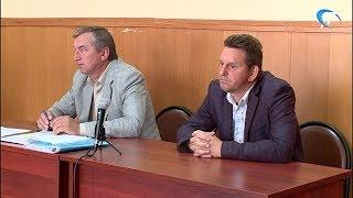 В Новгородском районном суде началось рассмотрение дела о крупной взятке
