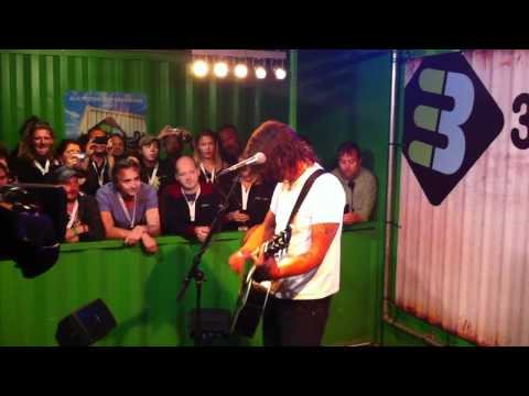 Dave Grohl - Long Road To Ruin (Acoustic) - 3OnStage - Pinkpop 2011