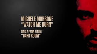 Kadr z teledysku Watch Me Burn tekst piosenki Michele Morrone