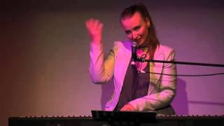 Judith Owen @ 5x15 - Plays and Sings