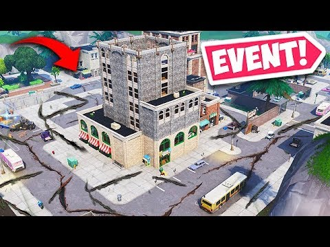 EARTHQUAKE *DESTROYS* TILTED TOWERS BUILDING! - Fortnite Funny Fails and WTF Moments! #483