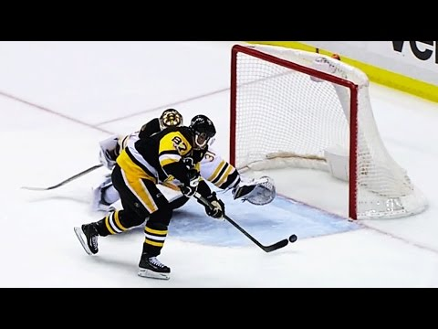 Kessel sets up Crosby with beauty backhand pass
