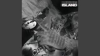 Kadr z teledysku Kill Me Tonight tekst piosenki Ash Island