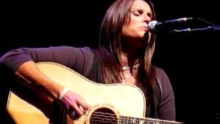 NO FEAR (Terri Clark @ Mystic Theater, Petaluma, CA - 10/17/10)