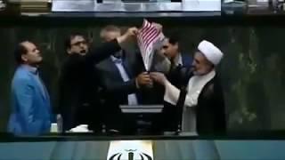 İran parlamentində ABŞ bayrağını yandırıblar-VİDEO