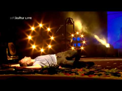 Coldplay - Lost (Live @ Glastonbury 2011)