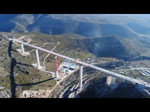 Asfaltirana lijeva strana mosta Moračica - Pri kraju i radovi na naplatnoj stanici Smokovac (VIDEO)