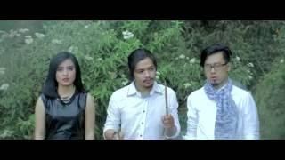 Killing Me Inside - Kau Dan Aku Berbeda (Official Music Video)
