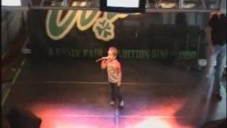 """4 yr old Wows crowd with Garth Brooks """"Friends in Low Places"""""""
