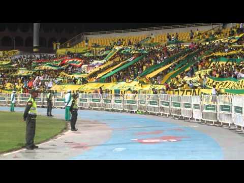 """""""Vamos vamos auriverde vamos a ganar"""" Barra: Rebelión Auriverde Norte • Club: Real Cartagena"""