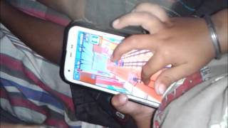 2 Years old kid expert in subway surfer