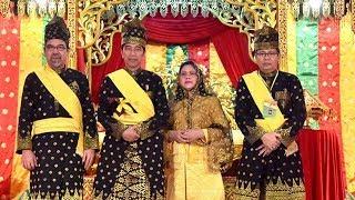 Jokowi Mendapatkan Gelar Adat