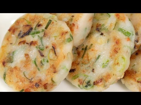 Easy Fried Daikon Mochi (Chinese Turnip Cake Recipe) | Cooking with Dog