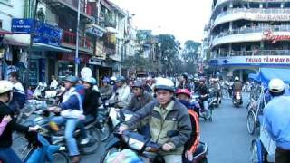 preview picture of video 'Rikschafahrt Hanoi'
