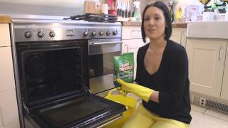 Cleaning your Oven with Soda Crystals