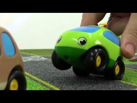 Green baut seine eigene Sitzbank   Unterhaltungsvideo für Kinder