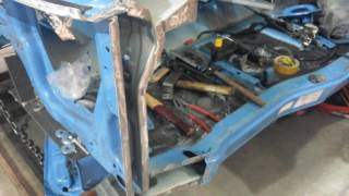Кузовной ремонт кабины грузовика.
