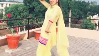 Jatti hikk naal la la ke paondi boliyan jatt de rumal nu by mankirt aulakh | beautiful dance by girl