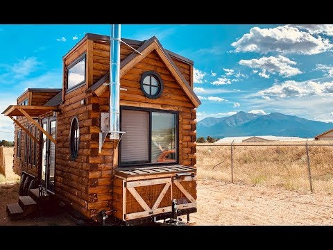 Tour This Epic Tiny Cabin On Wheels