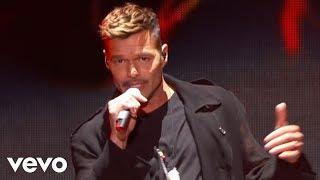 Gambar cover Ricky Martin - Fiebre ft. Wisin, Yandel (Premios Billboard de la Música Latina 2018)