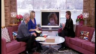 Barry Manilow - Interview On This Morning with Phil & Hollie 14/03/11