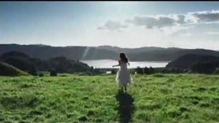 2NE1 - LOVE IS OUCH (愛が痛いです ah-yah-yah) [Japanese Version] M/V
