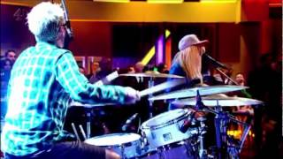 The Ting Tings - Hang It Up Live In Alan Carr Chatty Man