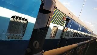 preview picture of video 'Gangasagar exp depature from jaynagar'