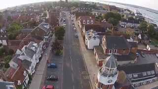 preview picture of video '2014 07 27 Burnham-on-Crouch Clock Tower Aerial'
