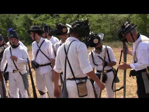 Controllo moschetteria da parte degli ufficiali e sottufficiali dei rispettivi schieramenti