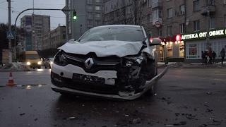 На перехресті в центрі Житомира зіштовхнулися Renault та Fiat - Житомир.info